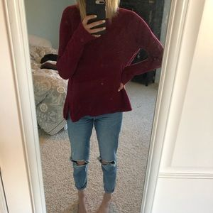 Size L Burgundy Loft Sweater (with cable-knitting)